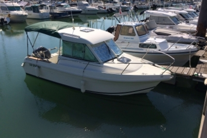 Jeanneau Merry Fisher 625 for sale in France for €19,000 (£16,649)