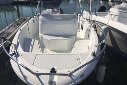 Jeanneau Cap Camarat 6.5 CC for sale in France for €28,000 (£25,141)