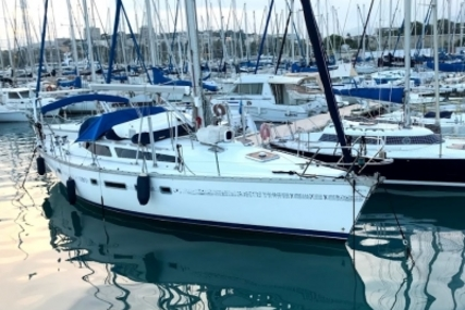 Jeanneau Voyage 12.50 for sale in France for €70,000 (£62,380)