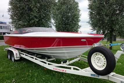 Donzi 22 Classic ZX 16 18 6.2 V8 DEMO NIEUW for sale in Netherlands for €76,000 (£68,210)