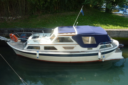 Saga 27 AC for sale in Italy for €33,000 (£29,519)