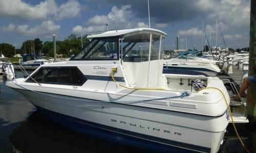Image of Bayliner Ciera Express 2452 for sale in United States of America for $18,900 Warwick, Rhode Island, United States of America