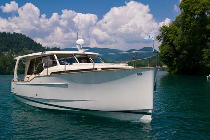GREENLINE 33 for sale in United States of America for $289,000 (£226,631)