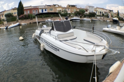 Beneteau Flyer 7.7 Spacedeck for sale in France for €44,000 (£38,914)