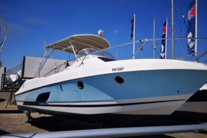 Beneteau Flyer 850 Sundeck for sale in France for €56,500 (£49,633)