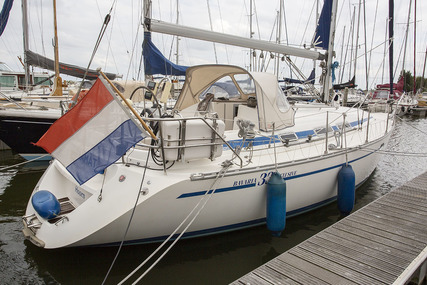 Bavaria Yachts 33 Exclusive for sale in Netherlands for €39,000 (£34,429)