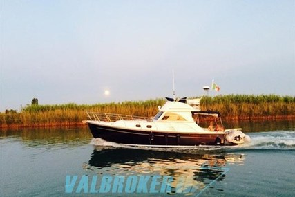 Cantieri Estensi 360 Goldstar for sale in Italy for €129,000 (£114,640)