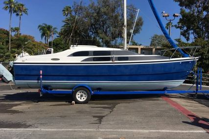 Macgregor 26M for sale in United States of America for $18,000 (£13,711)