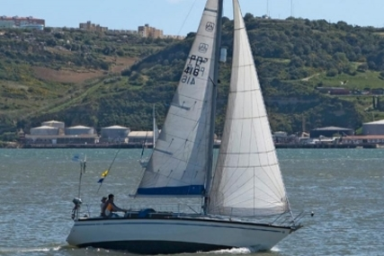 Dufour 31 for sale in Portugal for €21,500 (£19,231)