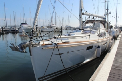 Jeanneau Sun Odyssey 42 DS for sale in Portugal for €148,000 (£133,243)