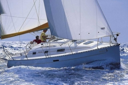 Beneteau Oceanis 311 Clipper for sale in Spain for €37,500 (£33,105)