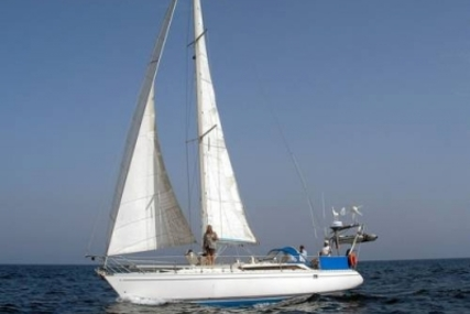 Jeanneau Sun Fizz for sale in Greece for €29,500 (£25,847)