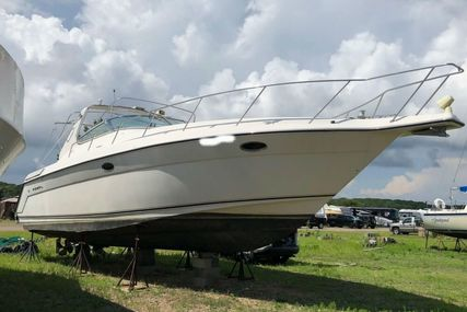 Regal 402 Commodore for sale in United States of America for $77,000 (£58,549)