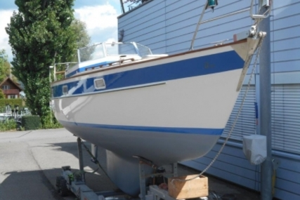 Hallberg-Rassy 352 for sale in Switzerland for €55,000 (£47,990)