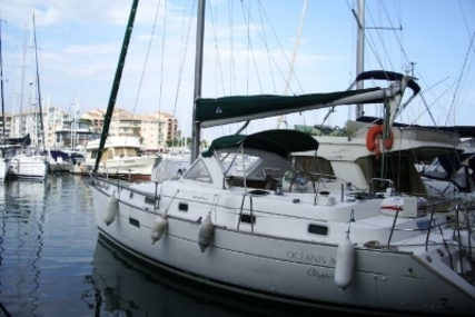 Beneteau Oceanis 36 CC for sale in France for €60,000 (£51,325)