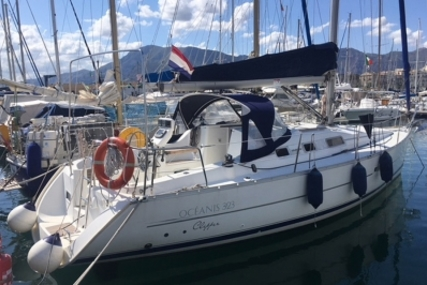 Beneteau Oceanis 323 Clipper for sale in Italy for €48,500 (£42,498)