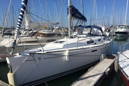 Dufour 325 Grand Large for sale in France for €57,000 (£50,473)