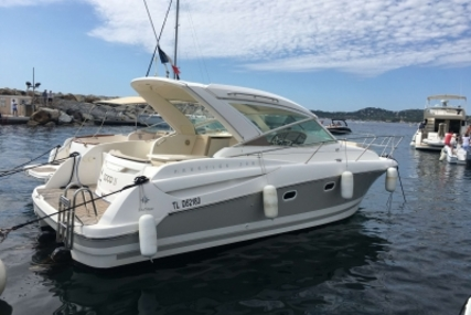 Prestige 30 Sport Top for sale in France for €69,500 (£61,395)