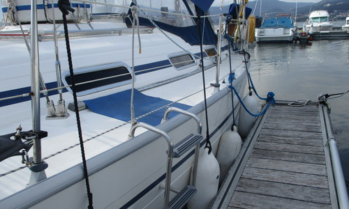 Image of Bavaria Yachts 36 Cruiser for sale in Spain for £39,950 Vigo/Spanish boarder with Portugal, Spain