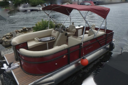 Crest I 200 SF for sale in United States of America for $34,900 (£27,508)