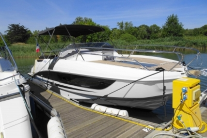 Beneteau Flyer 8.8 Sundeck for sale in France for €108,000 (£95,020)