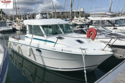 Jeanneau Merry Fisher 695 for sale in France for 16.400 € (14.574 £)