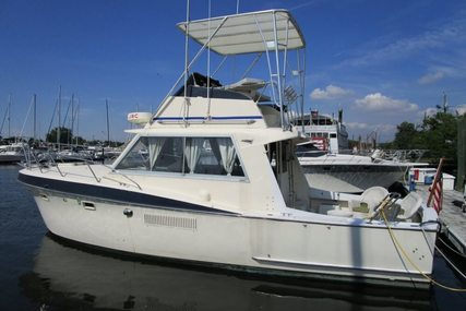 Hatteras 34C for sale in United States of America for $19,000 (£15,087)