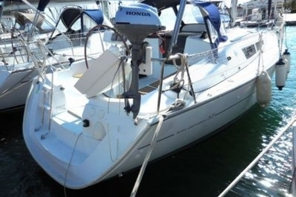 Jeanneau Sun Odyssey 32i for sale in France for €52,500 (£45,988)