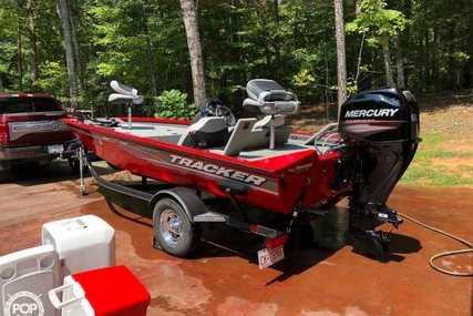 Tracker 17 for sale in United States of America for $19,700 (£14,990)