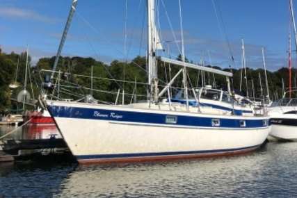Hallberg-Rassy 352 for sale in Ireland for €79,500 (£71,414)