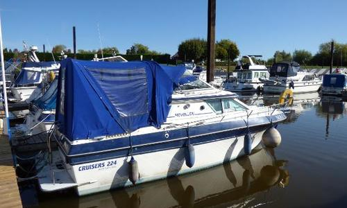 Image of Cruisers Yachts 224 for sale in United Kingdom for £12,000 Worcester, United Kingdom