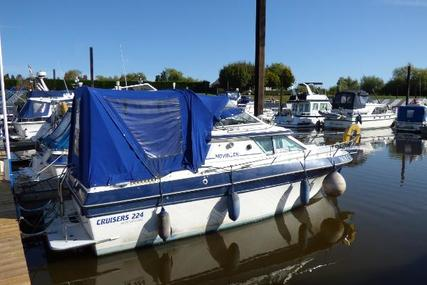 Cruisers Yachts 224 for sale in United Kingdom for £12,000