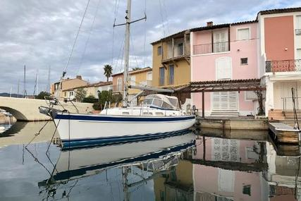 Hallberg-Rassy 37 for sale in France for €169,000 (£152,149)