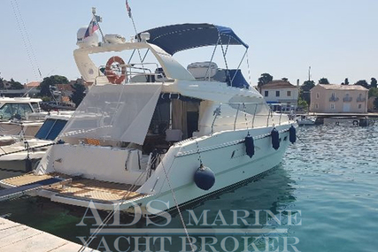 Azimut Yachts AZ 43 FLY for sale in Italy for €109,500 (£96,331)
