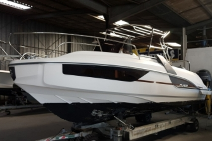 Beneteau Flyer 7.7 Sundeck for sale in France for €52,500 (£46,119)