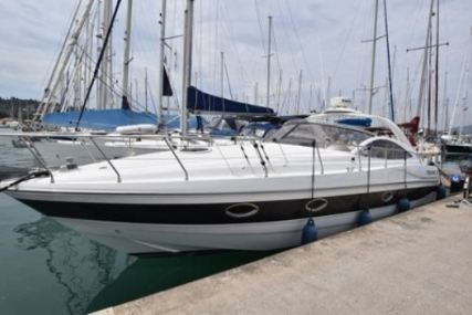 Pershing 37 for sale in Greece for €144,000 (£126,993)