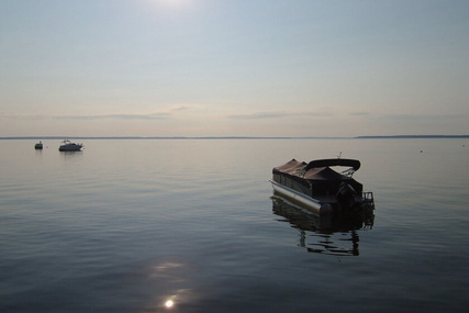 Premier Pontoons Solaris 240 RF PTX for sale in United States of America for $41,000 (£31,362)