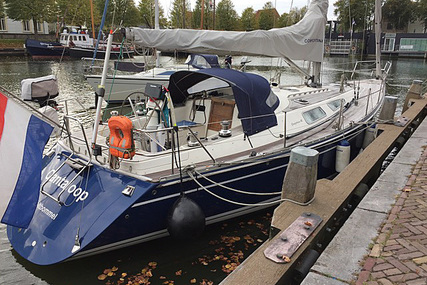 Comfortina 42 for sale in Netherlands for €149,500 (£132,382)