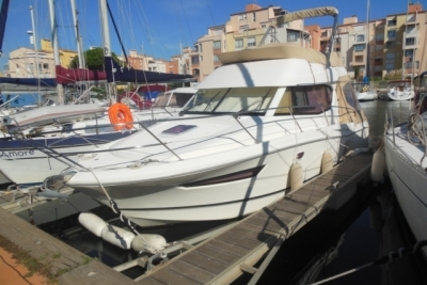 Jeanneau Merry Fisher 10 for sale in France for €94,900 (£83,129)