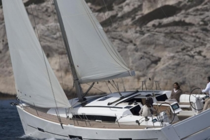 Dufour 410 GRAND LARGE for sale in France for €149,000 (£134,144)