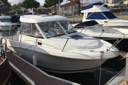 Jeanneau Merry Fisher 725 for sale in France for €27,000 (£23,811)
