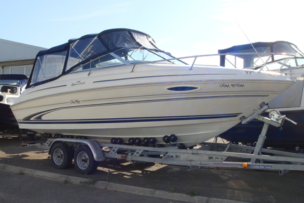 Sea Ray 215 Express Cruiser for sale in United Kingdom for £17,999