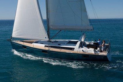 Beneteau Oceanis 48 for sale in France for €249,000 (£224,699)