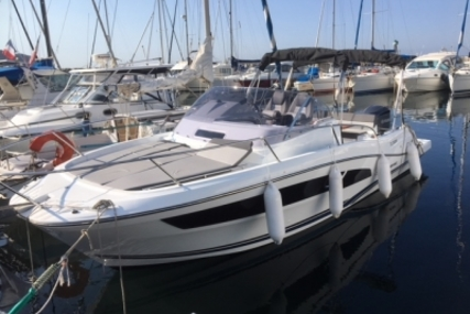 Jeanneau Cap Camarat 9.0 wa for sale in France for €99,000 (£87,102)