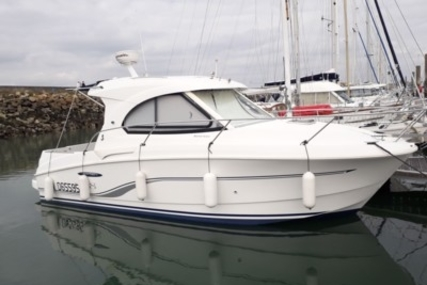 Beneteau Antares 8 for sale in France for €50,000 (£43,829)