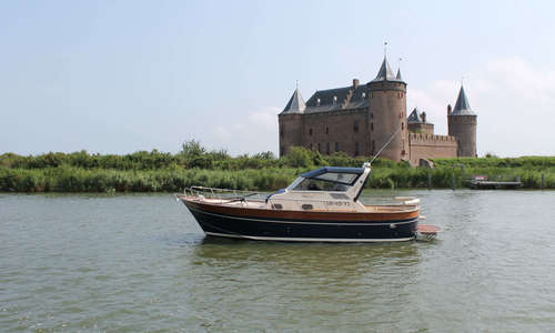 Image of Apreamare 9 semicabinato for sale in Netherlands for €89,000 (£78,841) Netherlands