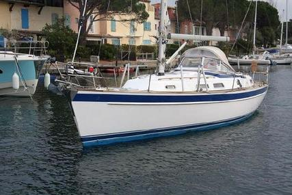Hallberg-Rassy 37 for sale in France for €169,000 (£148,460)
