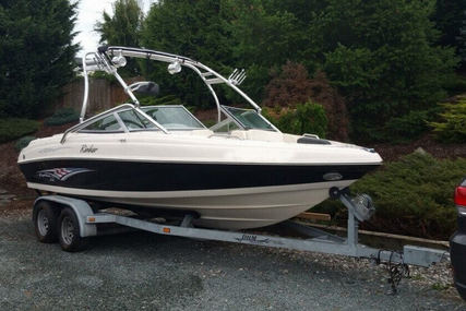 Rinker Captiva 212 - Liberty Edition for sale in United States of America for $25,500 (£19,867)