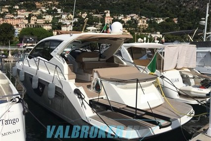 Cranchi M40 for sale in Italy for €230,000 (£204,512)