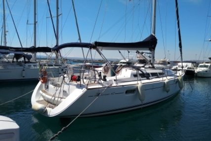 Jeanneau Sun Odyssey 42i for sale in Italy for €85,000 (£75,225)